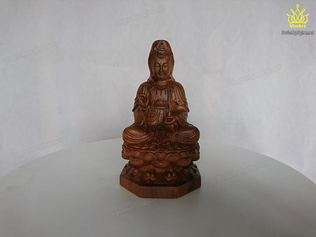 Quan Âm ngồi đài sen gỗ thơm 15cm x 9cm x 9cm