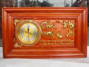 Tranh Gỗ Đồng Hồ Cha Mẹ dát vàng 67cm