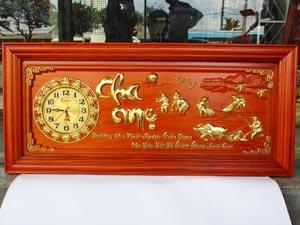 Tranh Gỗ Đồng Hồ Cha Mẹ dát vàng 1m08
