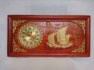 Tranh gỗ Đồng Hồ Thuận Buồm Xuôi Gió dát vàng 81cm